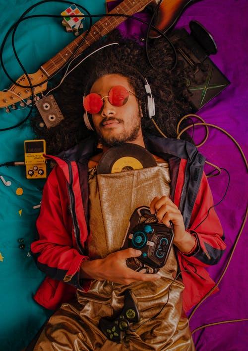 Casques audio, enceintes, écouteurs: les nouveaux appareils high-tech pour profiter à fond de votre musique